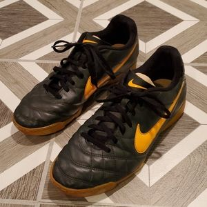 Nike Women Tiempo 9 Shoes Running Soccer Sneakers